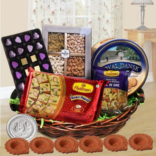 Wonderful Diwali Hamper with Diya n Free Coin