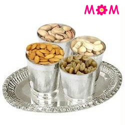 Delectable 200 gms. Dry Fruits in Silver Plated Glasses and a 7 inch Tray