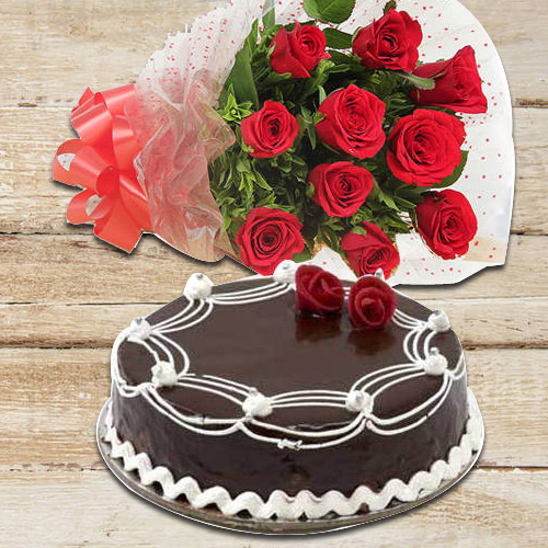 Cheerful Red Roses with Chocolate Cake<br><br>