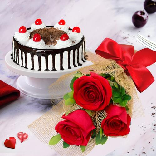 Sensational 3 Red Roses with 1/2 Kg Black Forest Cake