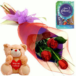 Optimal Red Rose Dowel, Cute Teddy with Cadbury Assortment Mini Pack