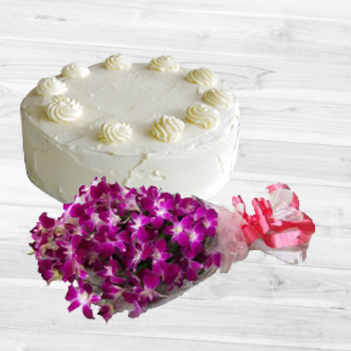 Marvelous Vanilla Cake with Orchids Bouquet