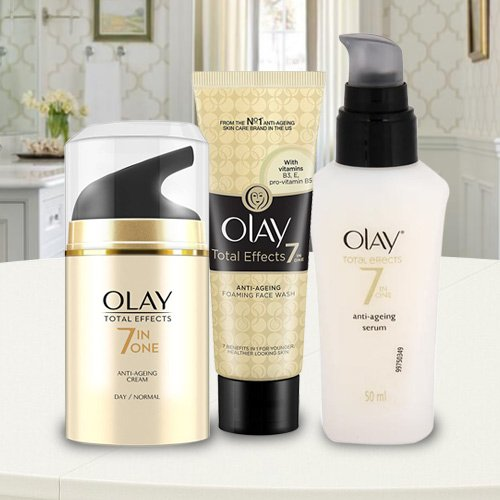 Soothing Olay Hamper with Love and Affection