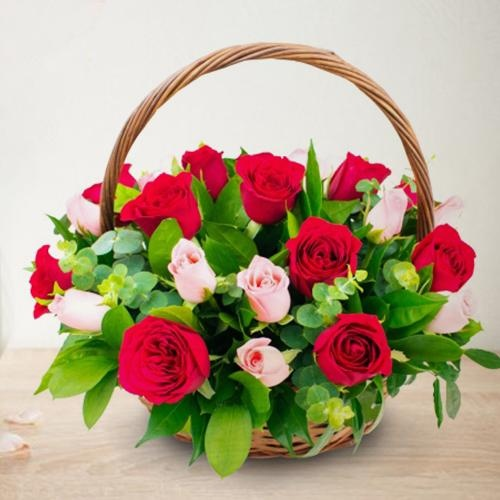 Amazing Arrangement of 18 Pink and Red Roses with Love