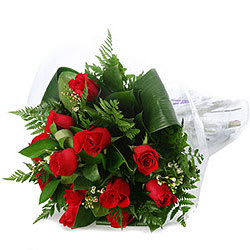 Charming Red Roses Bouquet