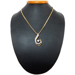 Sense-Rousing Bloom Gold Plated Necklace with Teresa Pendant
