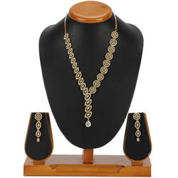 Lush Desirability Necklace with Earrings Set