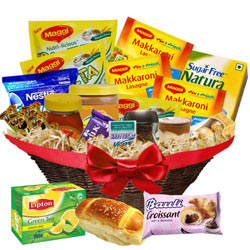 Luxuries English Style Lunch Basket