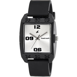 Attractive Fastrack Gents Watch in Silver Dial